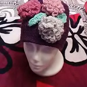 Accessories - Woman hand crocheted hat